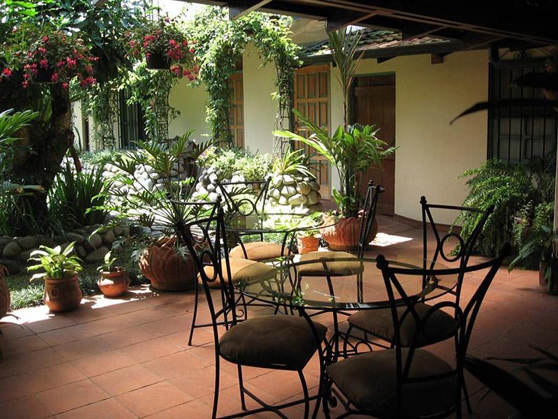 Hotel / Tierra Magica Bed & Breakfast and Art Studio: Escazu